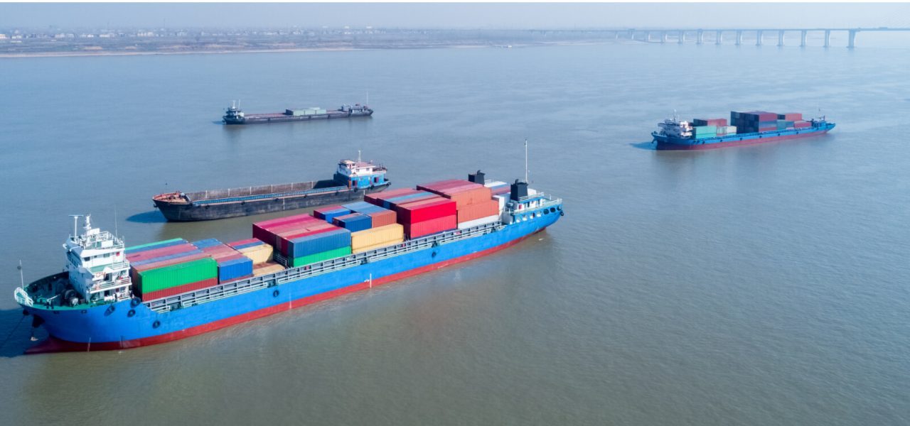 container-ships-closeup-on-yangtze-river-PFRVAVU-2